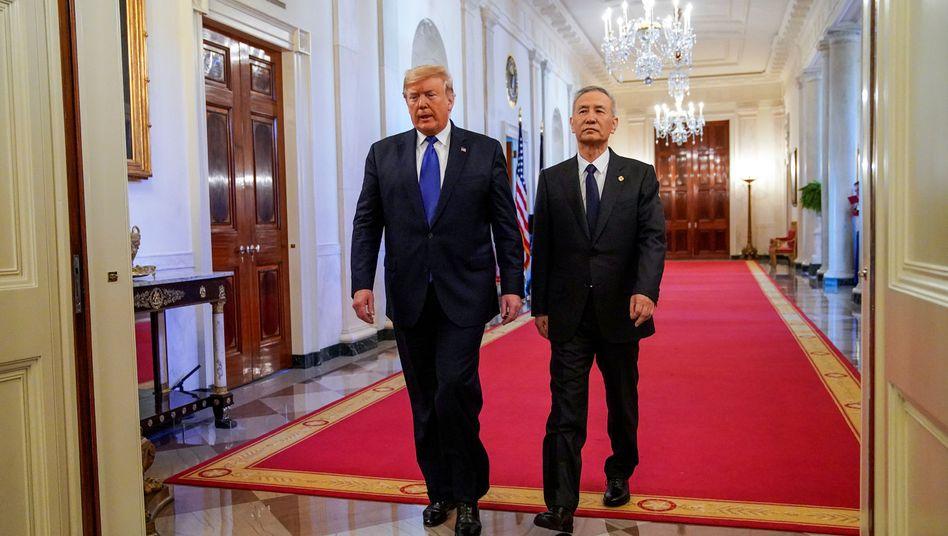 Feuerpause im Handelskrieg: Trump und Chinas Vizepremier Liu He im Weißen Haus