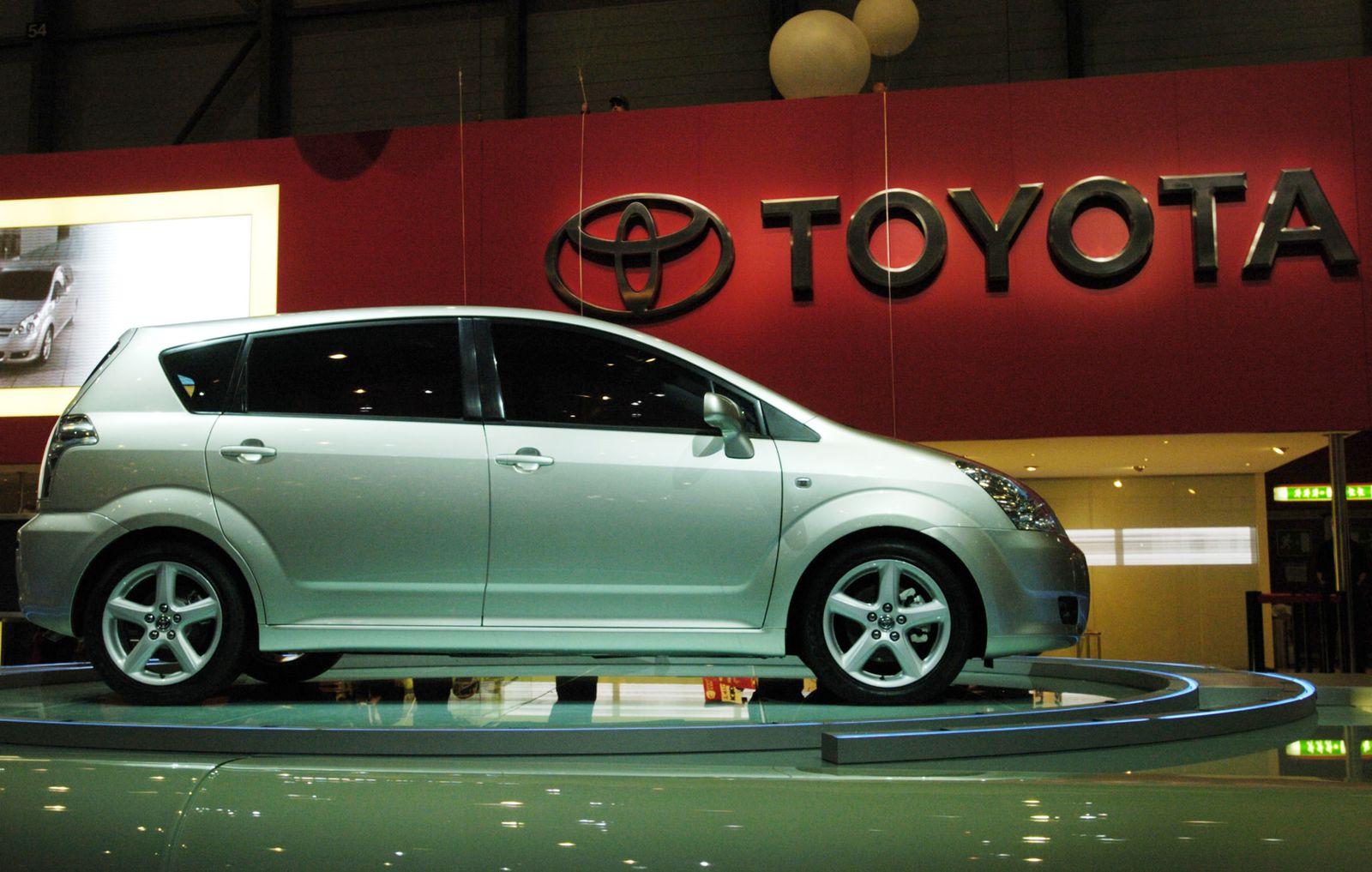 TÜV Report 2013 / Baujahr 2005 / Toyota Corolla Verso