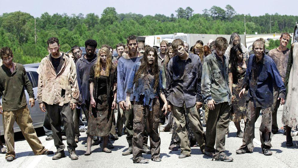 """""""The Walking Dead""""-Zeichner Adlard: """"Zombies zu killen kann monoton sein"""""""
