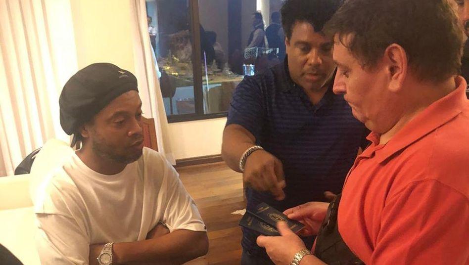 Behörden in Paraguay durchsuchten Ronaldinhos Hotelzimmer