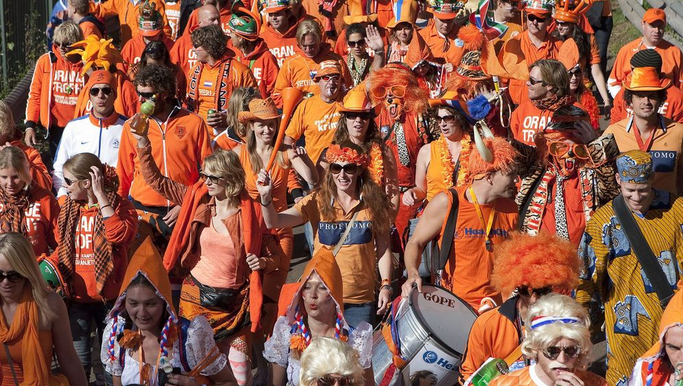 Photo Gallery: Travelling Circus in Orange
