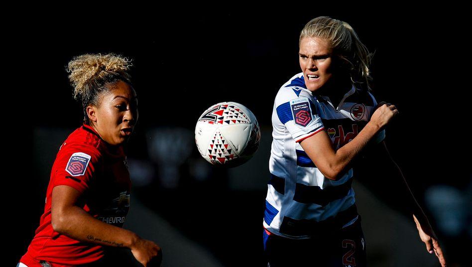 Uniteds Lauren James (im Spiel gegen Readings Kristine Liene): »Wir müssen weiter Lärm machen«