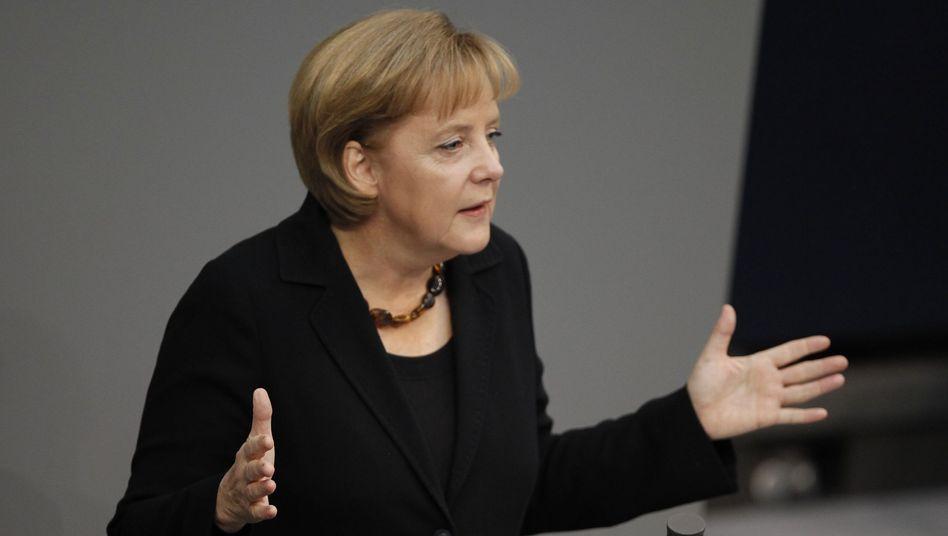 """Bundeskanzlerin Merkel: """"Ich teile die Meinung von Verteidigungsminister zu Guttenberg"""""""