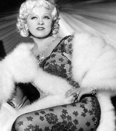 Mae West: Ihre Stücke gehen noch heute an die Grenzen des Zeigbaren auf amerikanischen Bühnen