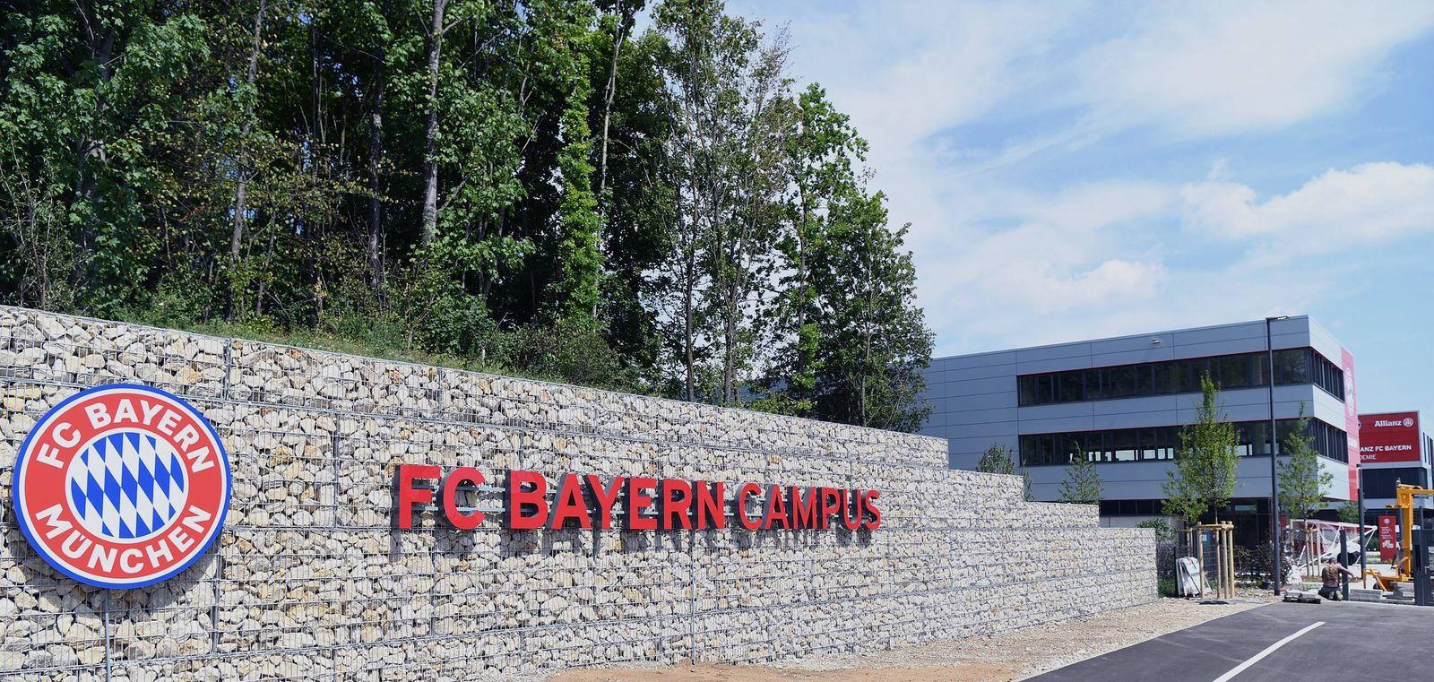Fussball FC Bayern Muenchen Campus 02.08.2017 Aussenansicht, Schrieftzug FC Campus Muenchen PUBLICATIONxNOTxINxAUTxSUIx
