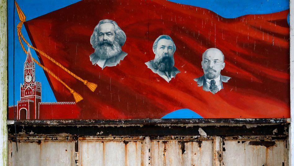 Linke Ikonen: Karl Marx, Friedrich Engels, Wladimir Iljitsch Lenin