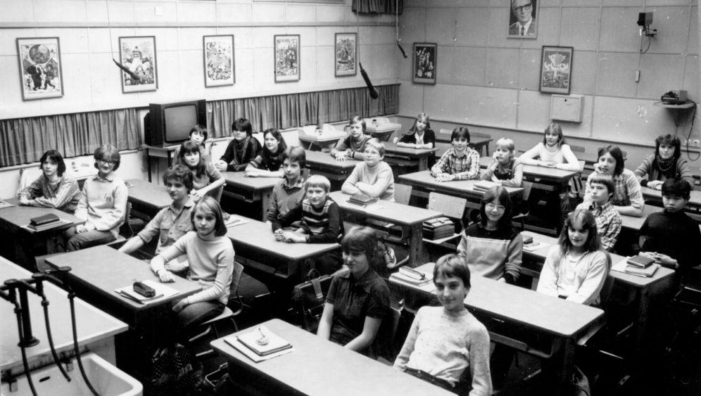 Schule in der DDR: Verhör vor laufender Kamera