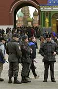 Tausende Polizisten und Soldaten patroullieren zur Wahl durch das gesamte Land