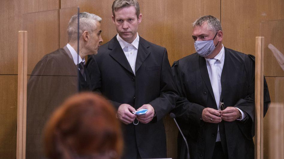 Angeklagter Ernst vor Gericht: Ihm droht lebenslange Freiheitsstrafe