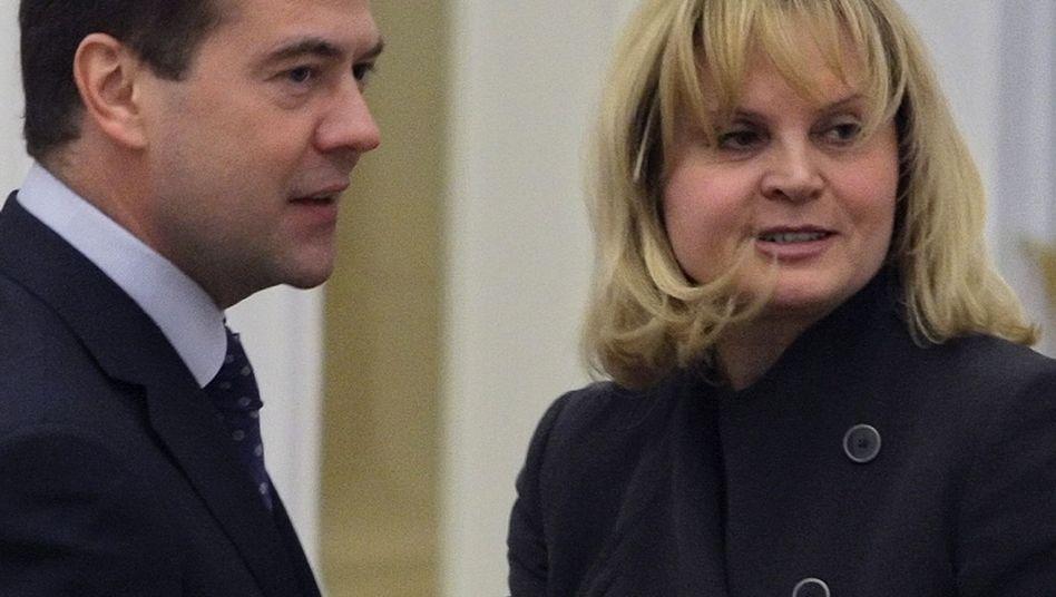 Russlands Präsident Medwedew und Ella Pamfilowa (2009): Ein Bild aus guten Tagen