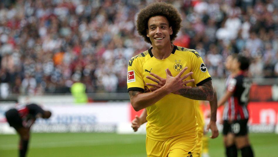 Borussia Dortmunds Axel Witsel bejubelt sein Tor beim 2:2 gegen Eintracht Frankfurt. Der Belgier erzielte den höchsten SPIX am fünften Spieltag.