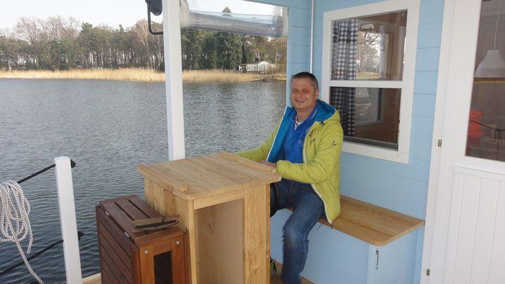 Gründer Laux: Hausboot auf der Lahn als Ferienwohnung vermietet.