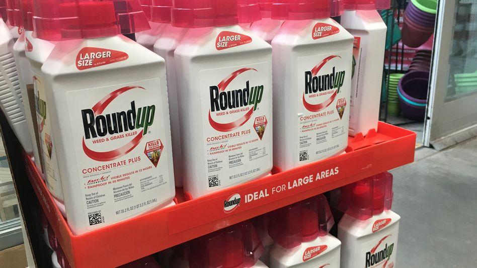 Roundup-Behälter 2019 in einem Geschäft in San Francisco
