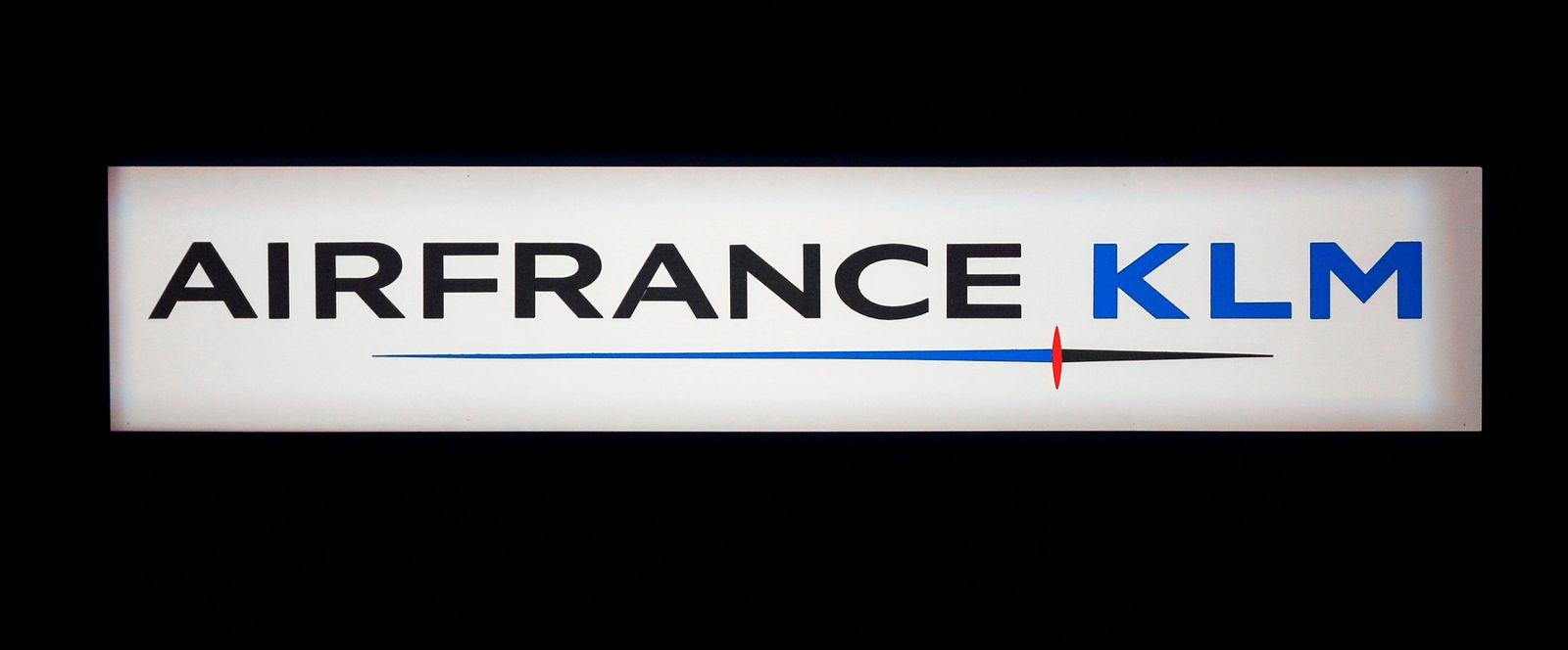 FILES-FRANCE-NETHERLANDS-AIRFRANCE-KLM-AVIATION-HEALTH-VIRUS