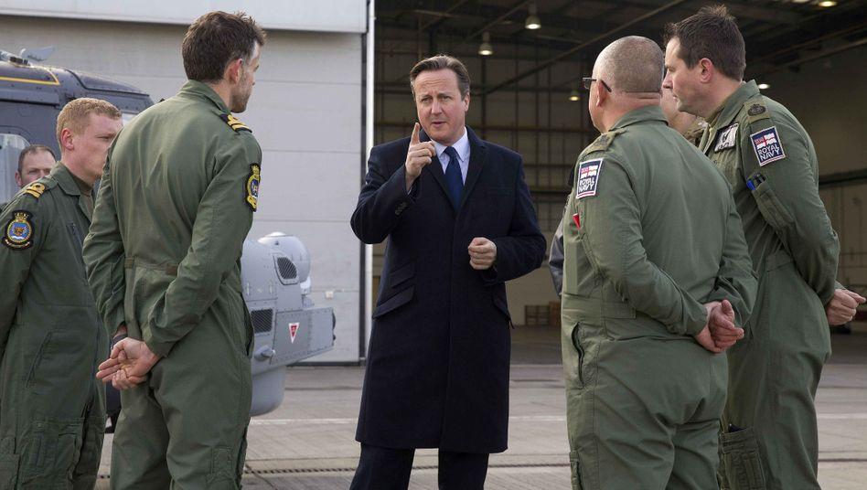 Der britische Premier Cameron in London: Zusätzlich 17 Milliarden Euro für neue Ausrüstung