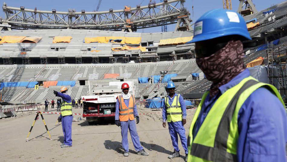 Bauarbeiter im Lusail-Stadion von Katar