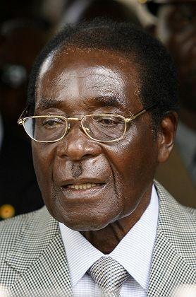 """Robert Mugabe: """"Auf dem Spielfeld quicklebendig"""""""
