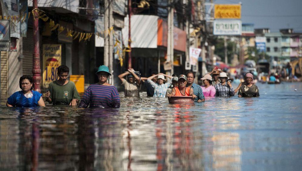 Hochwasser in Thailand: Prekäre Lage in Bangkoks Norden