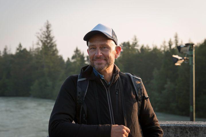 Paul Huf, der die Idee für die Nachtwanderung hatte, will damit Geflüchtete und potenzielle Arbeitgeber zusammenbringen