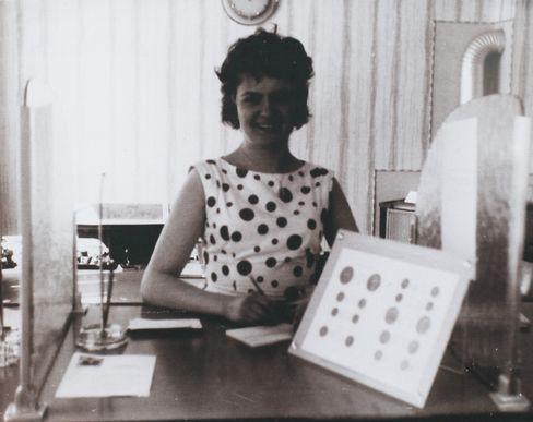 Der erste Job: Im Jahr 1960 fing Ingrid in der Bank an