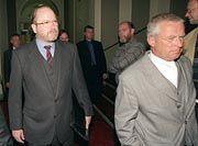 Reemtsma und sein Anwalt bei der Verhandlung gegen einen der Entführer