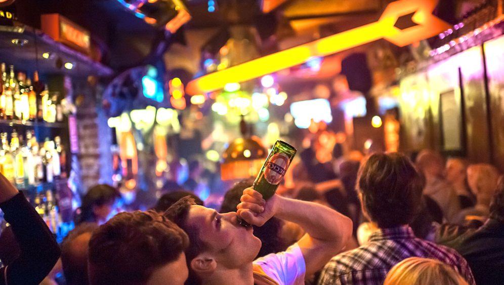 """Uni-Stadt Hannover: """"Bier trinken, rauchen. Fertig."""""""
