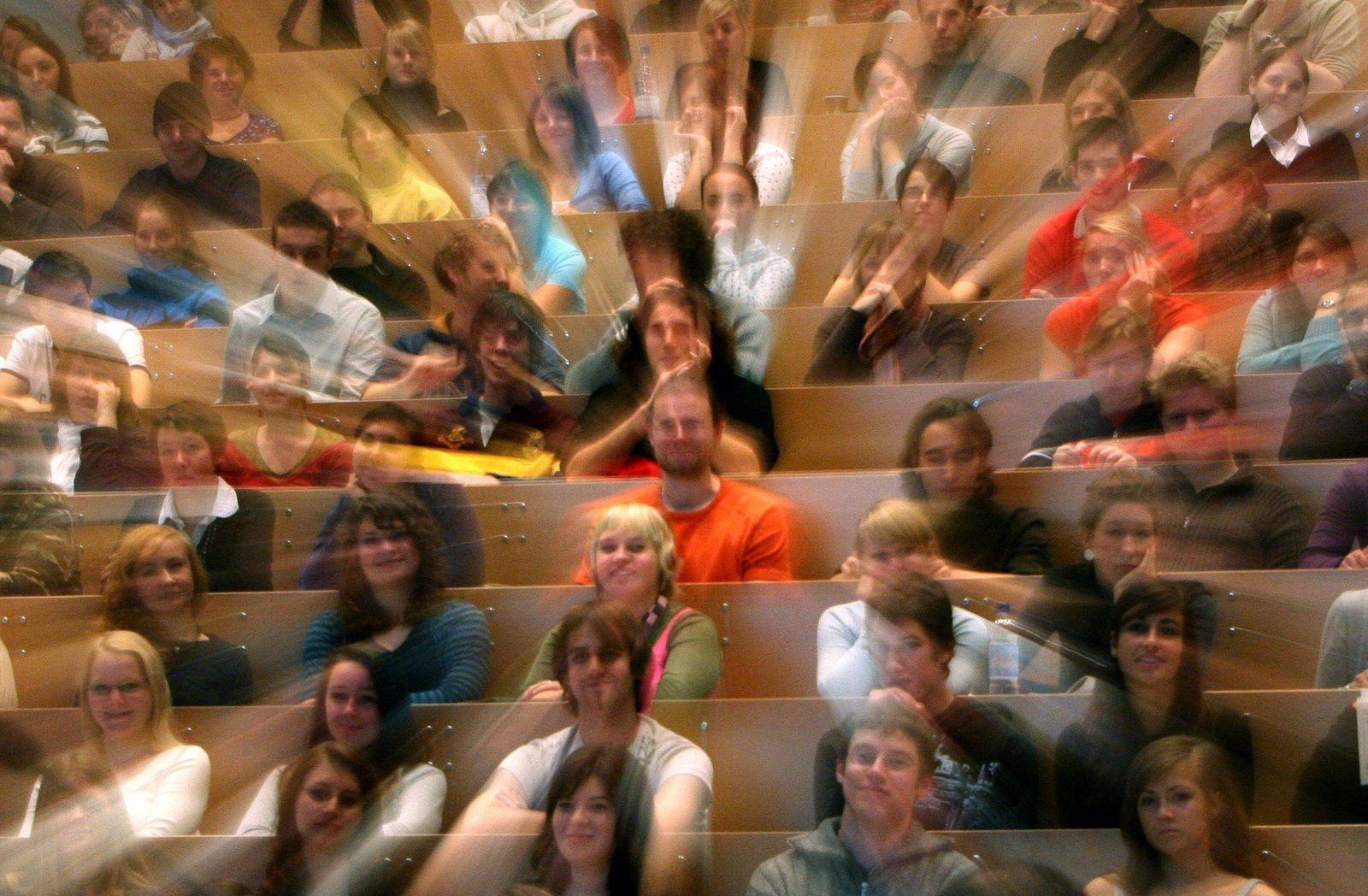 Studenten Hörsaal Konstanz Symbolbild