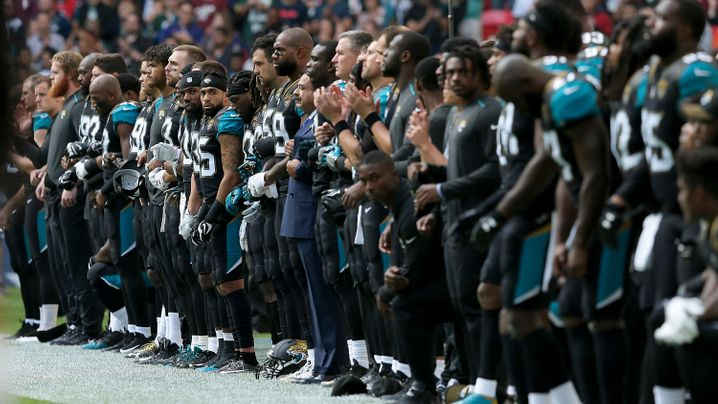 Protest in der NFL: Arm in Arm