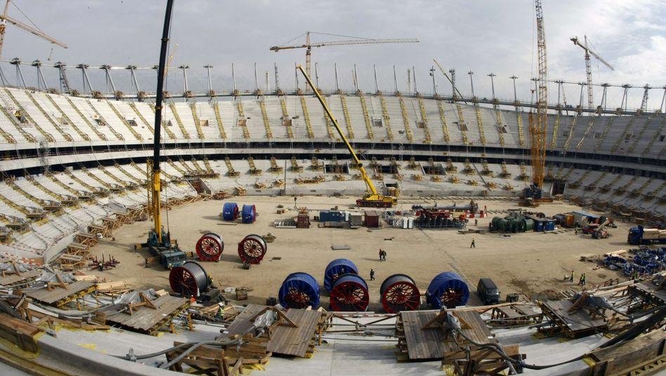 Baustelle Nationalstadion in Warschau: Vergabe nicht mit rechten Dingen?