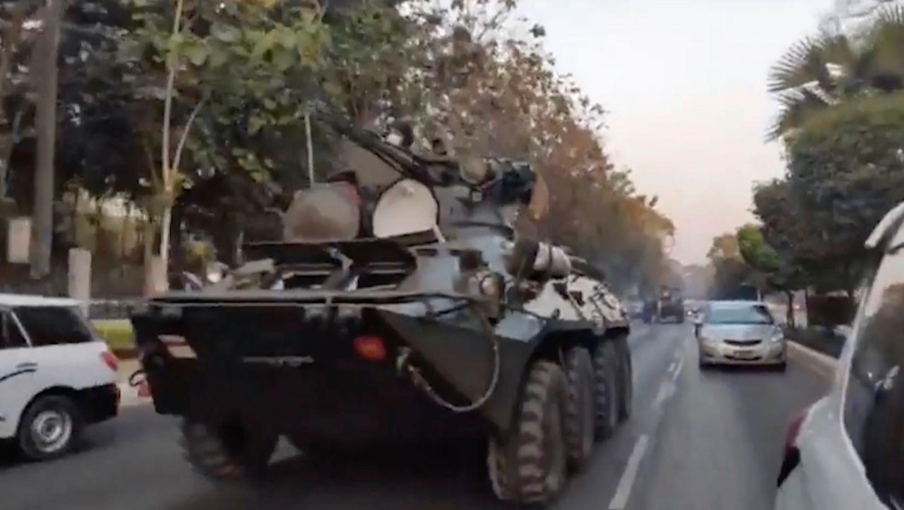 Panzer auf den Straßen: Nacht der Angst in Myanmar - DER SPIEGEL