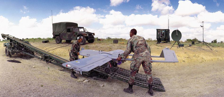 """US-Soldaten mit Drohne: """"Kriegsführung gegen wenige bestimmte Personen"""""""