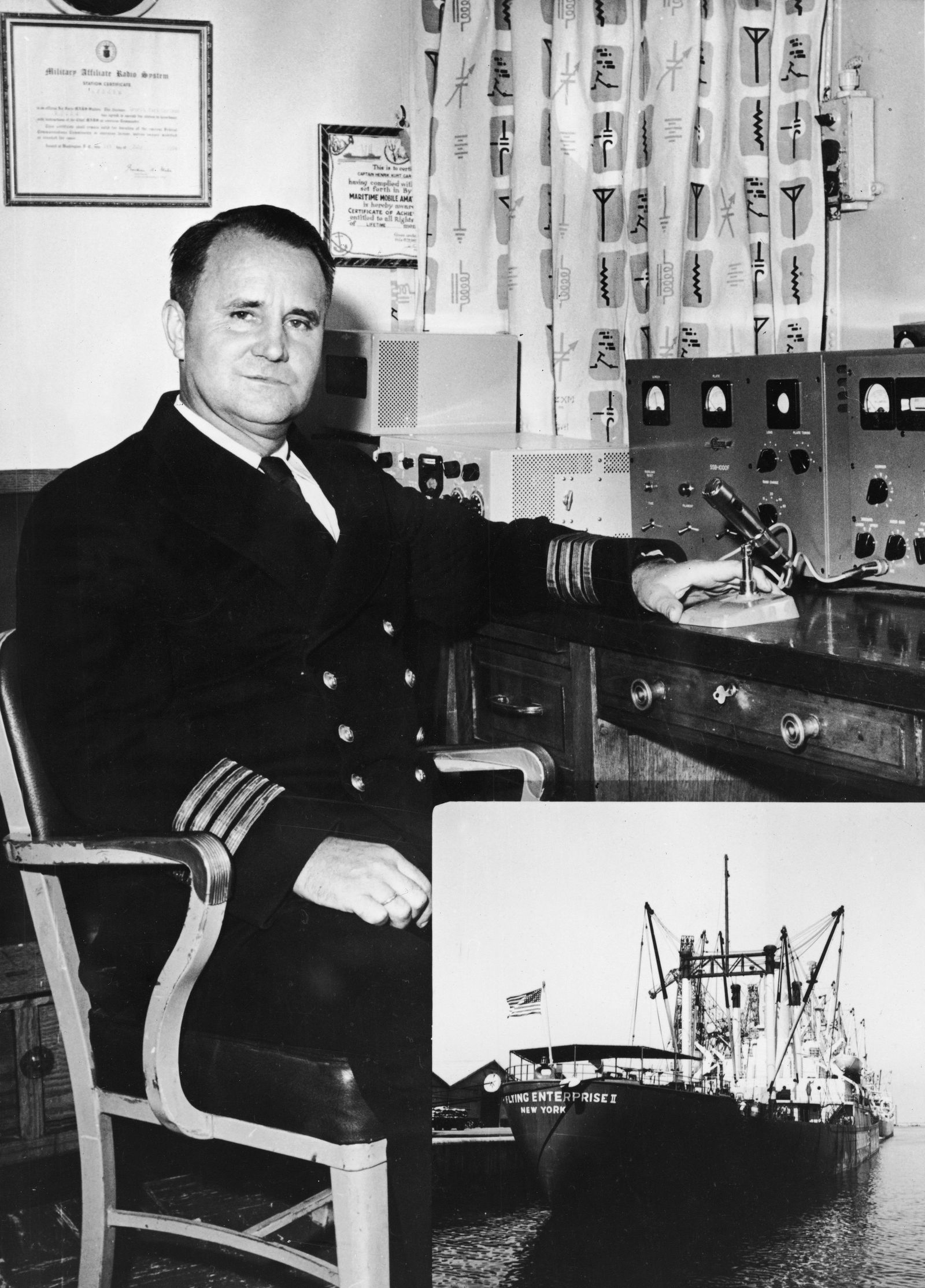 Captain Carlsen At Command