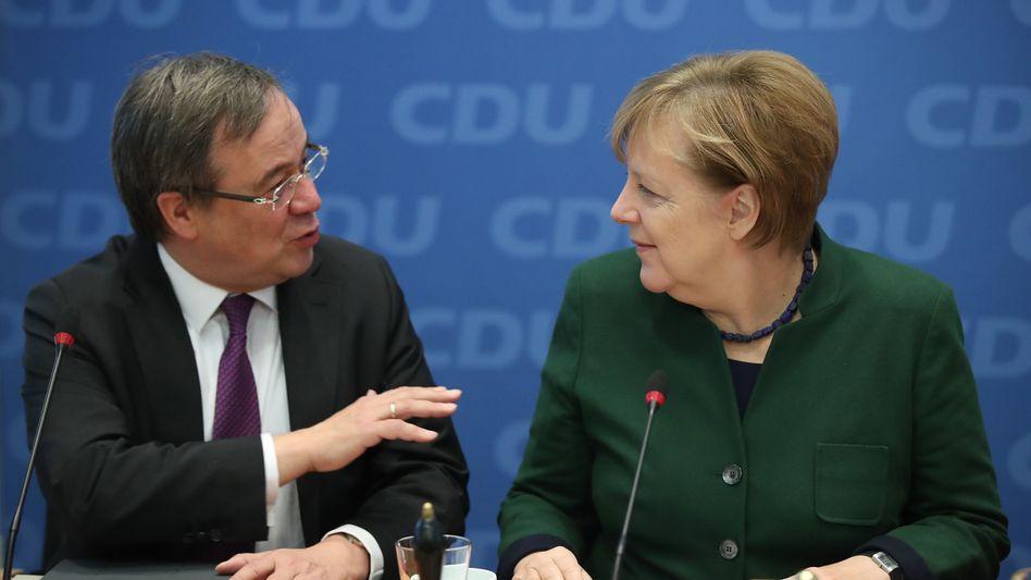 Armin Laschet, Angela Merkel