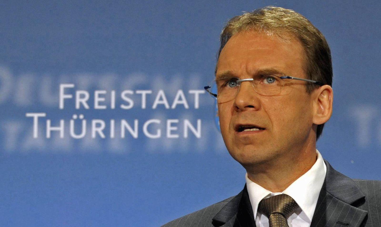 NICHT VERWENDEN Althaus stellt Solidarzuschlag nach Bundestagswahl zur Disposition
