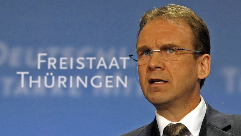 Thüringischer Ministerpräsident Althaus: Verdeckte Wahlkampfwerbung per Wurfblatt?
