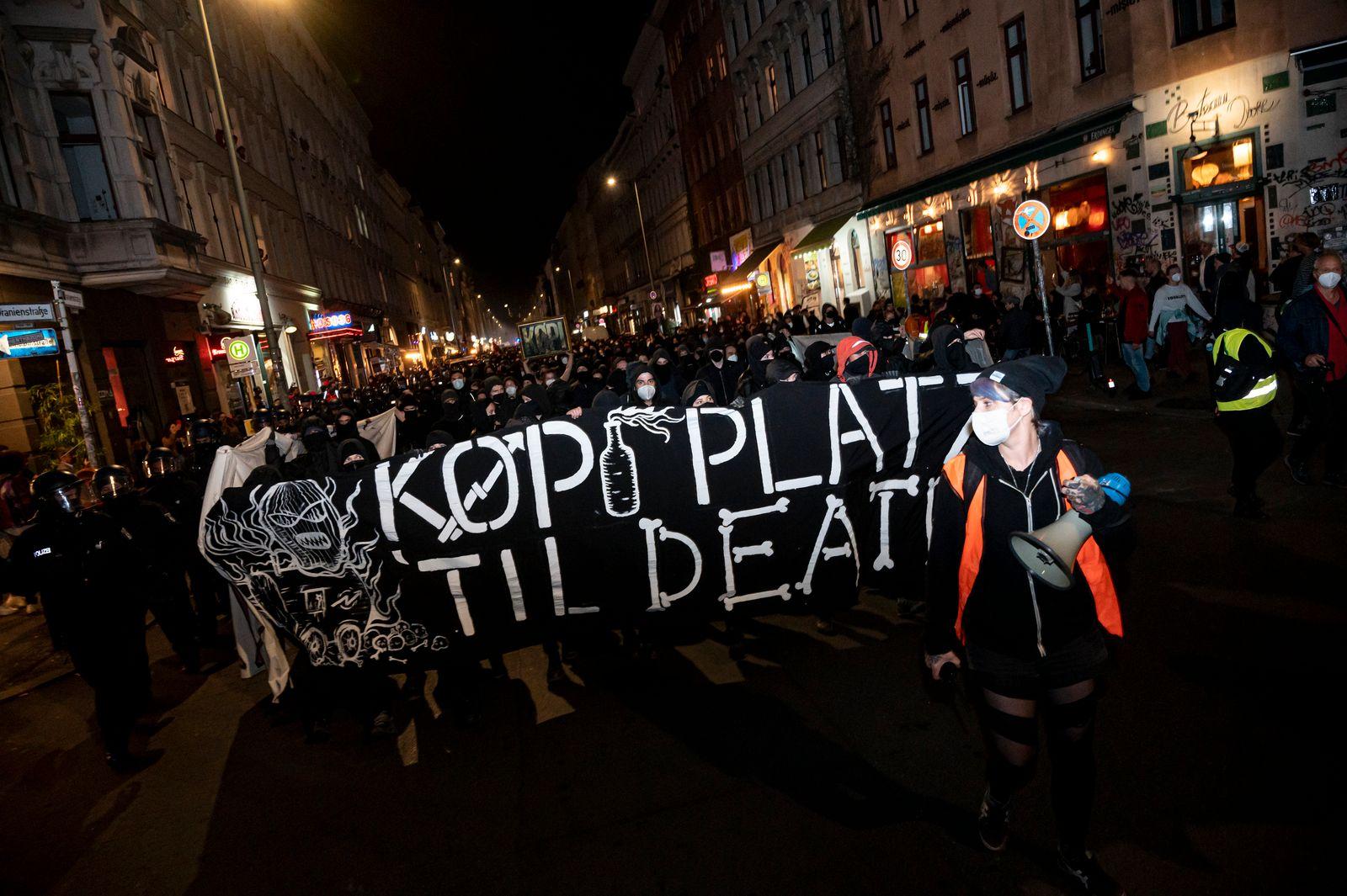 Berlin - Demonstration Defend Köpi