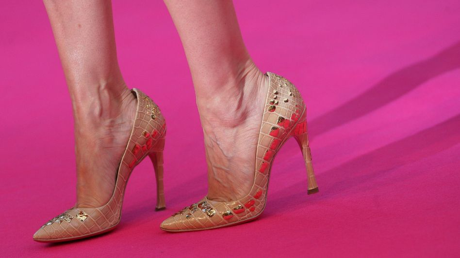 Highheels: Bei Fußproblemen können Einlagen helfen