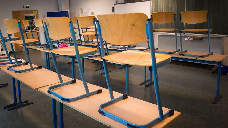Derzeit (meistens) außer Betrieb: Klassenzimmer in einem Hamburger Gymnasium