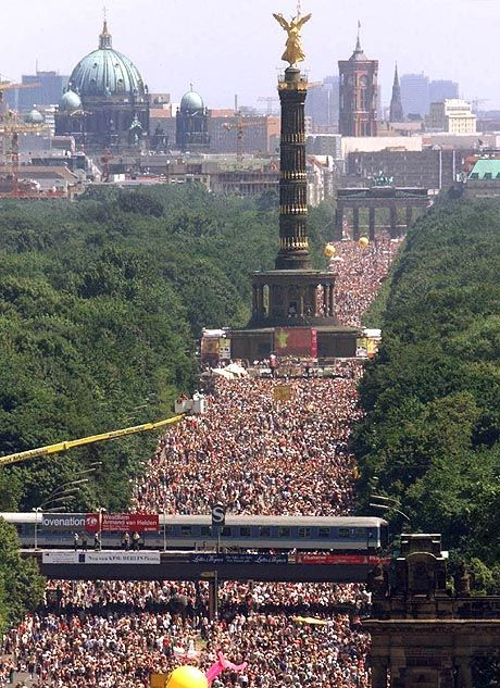 Mehr als je zuvor: 1,4 Millionen Raver tanzten durch Berlin