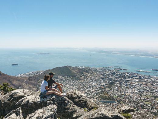 Südafrika: Blick vom Tafelberg auf Kapstadt