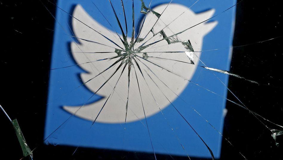 Twitter-Logo hinter gebrochenem Glas: Alles wird anders - aber nur ein wenig, wenn man die Funktion nicht wieder abschaltet