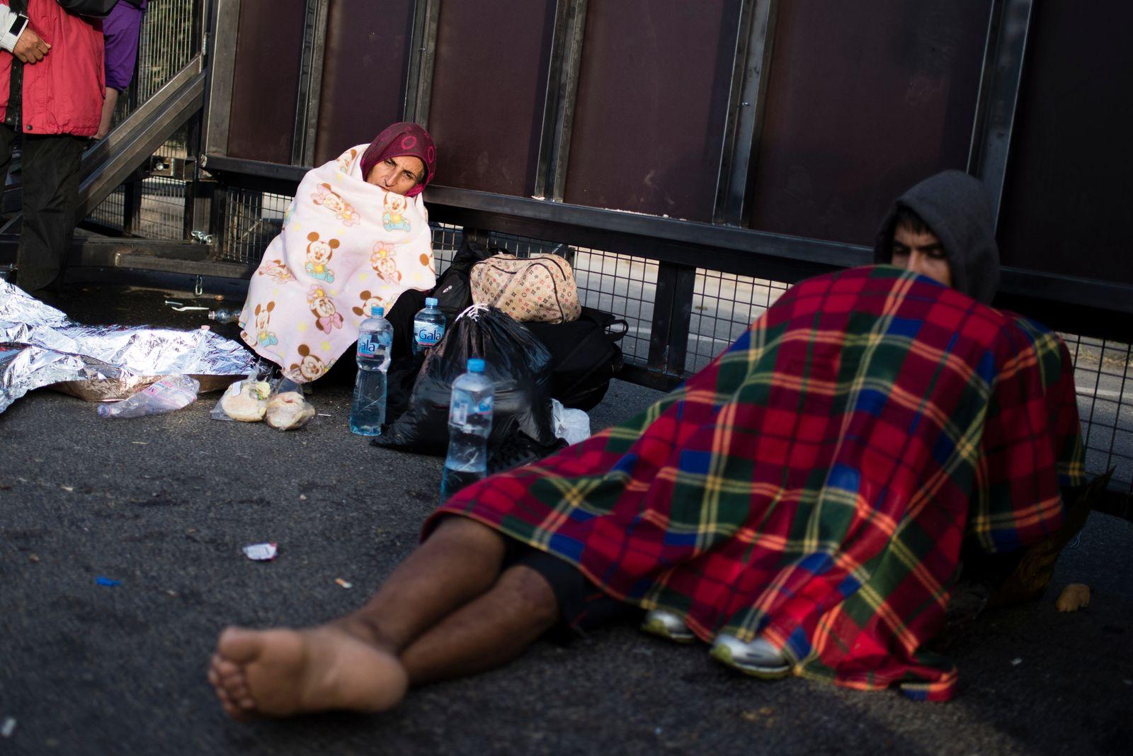 Flüchtlinge am Grenzübergang Horgos
