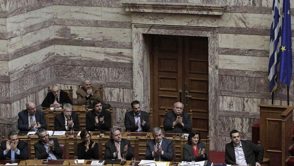 Regierungsbank im griechischen Parlament: Steuerstaat ad absurdum geführt