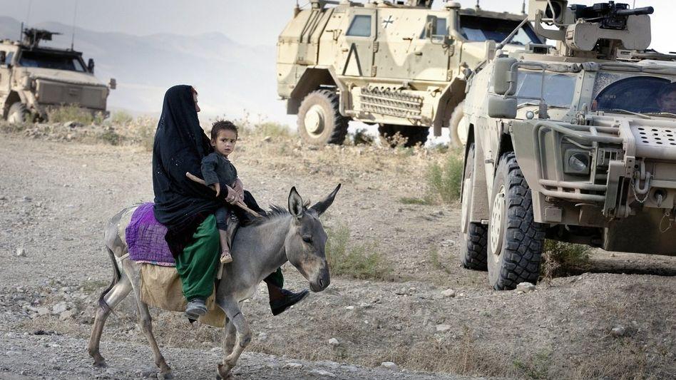 Bundeswehrfahrzeuge in Afghanistan: Ausbildung im Kriegsgebiet, nicht im Klassenraum