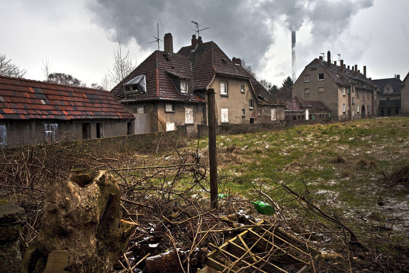 EINMALIGE VERWENDUNG Ruhrgebiet / Armut / verfallen / Verlassen / Baufällig
