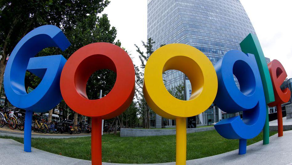 Google-Logo in Peking: Der Mutterkonzern Alphabet hat seine Zahlen für das dritte Quartal vorgestellt