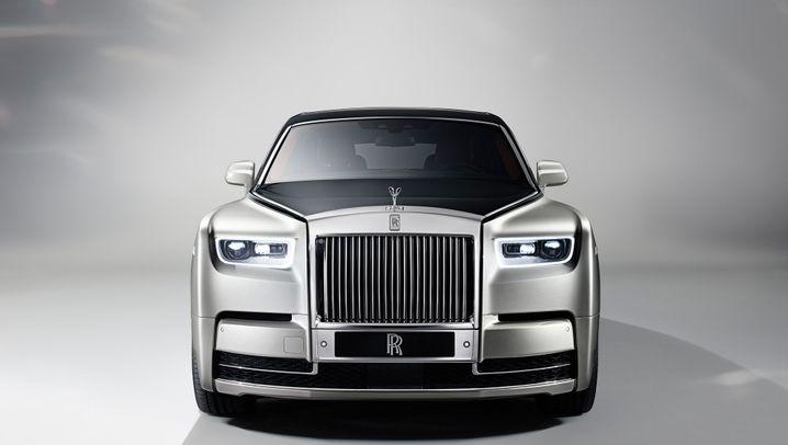 Autogramm Rolls-Royce Phantom VIII: Außen alt, innen neu
