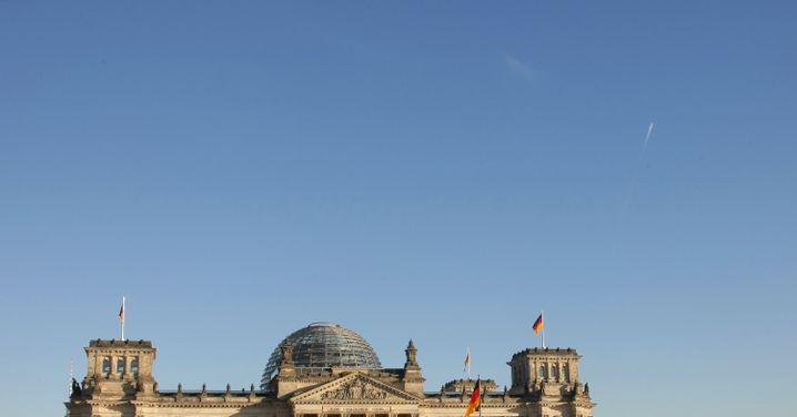 Reichstagsgebäude in Berlin: Geht im Staat etwas grundsätzlich schief?
