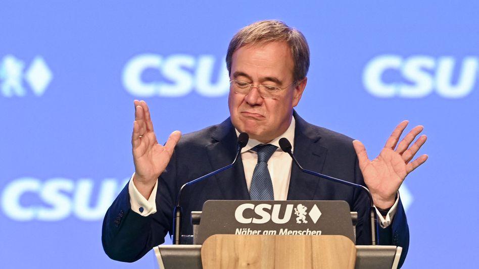 Armin Laschet beim Parteitag der CSU in Nürnberg: »In all den Entscheidungen der Nachkriegsgeschichte standen die Sozialdemokraten immer auf der falschen Seite«