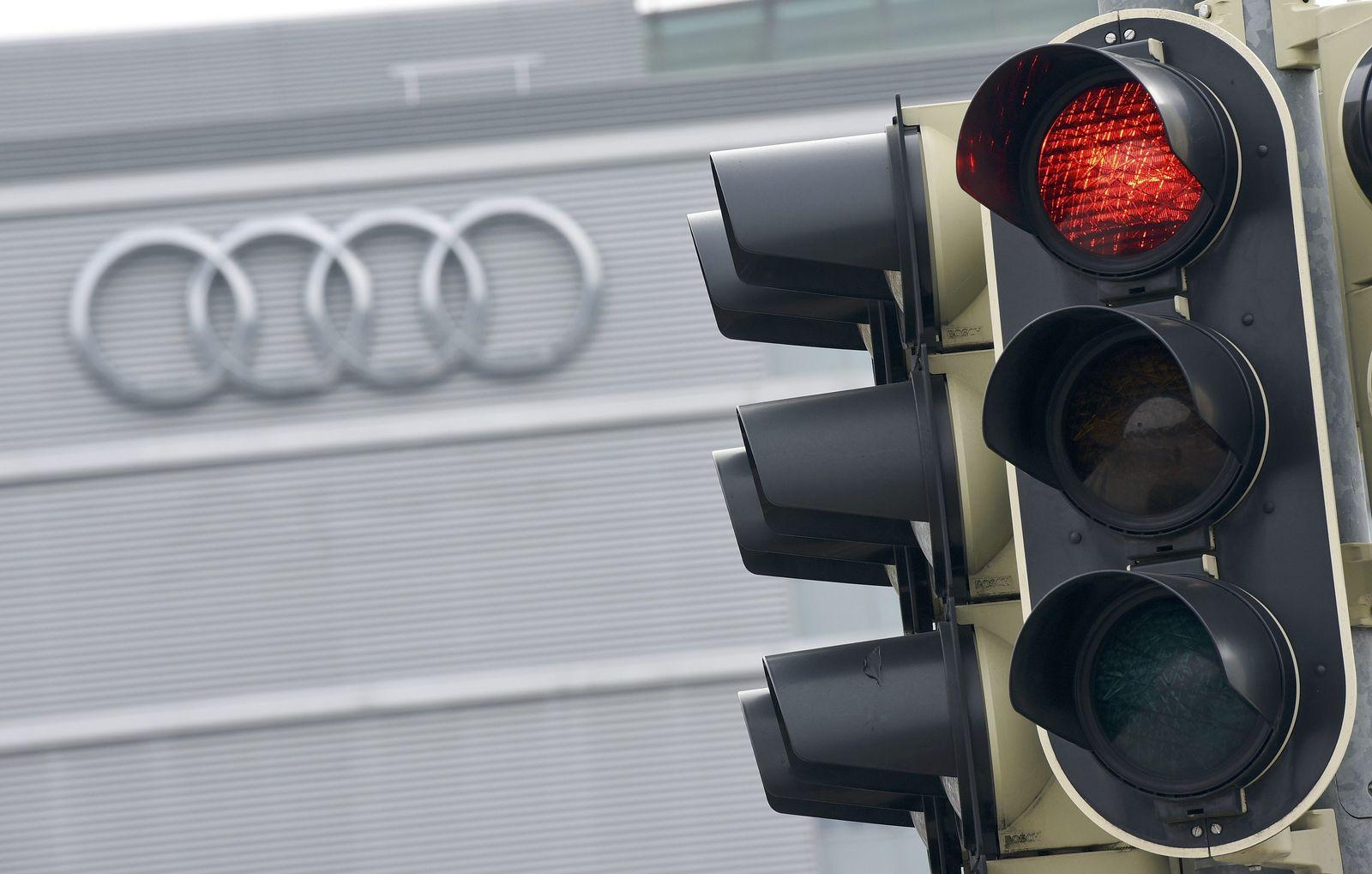 Audi / Rote Ampel